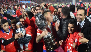 Celebrations: Chile with the title in 2015.