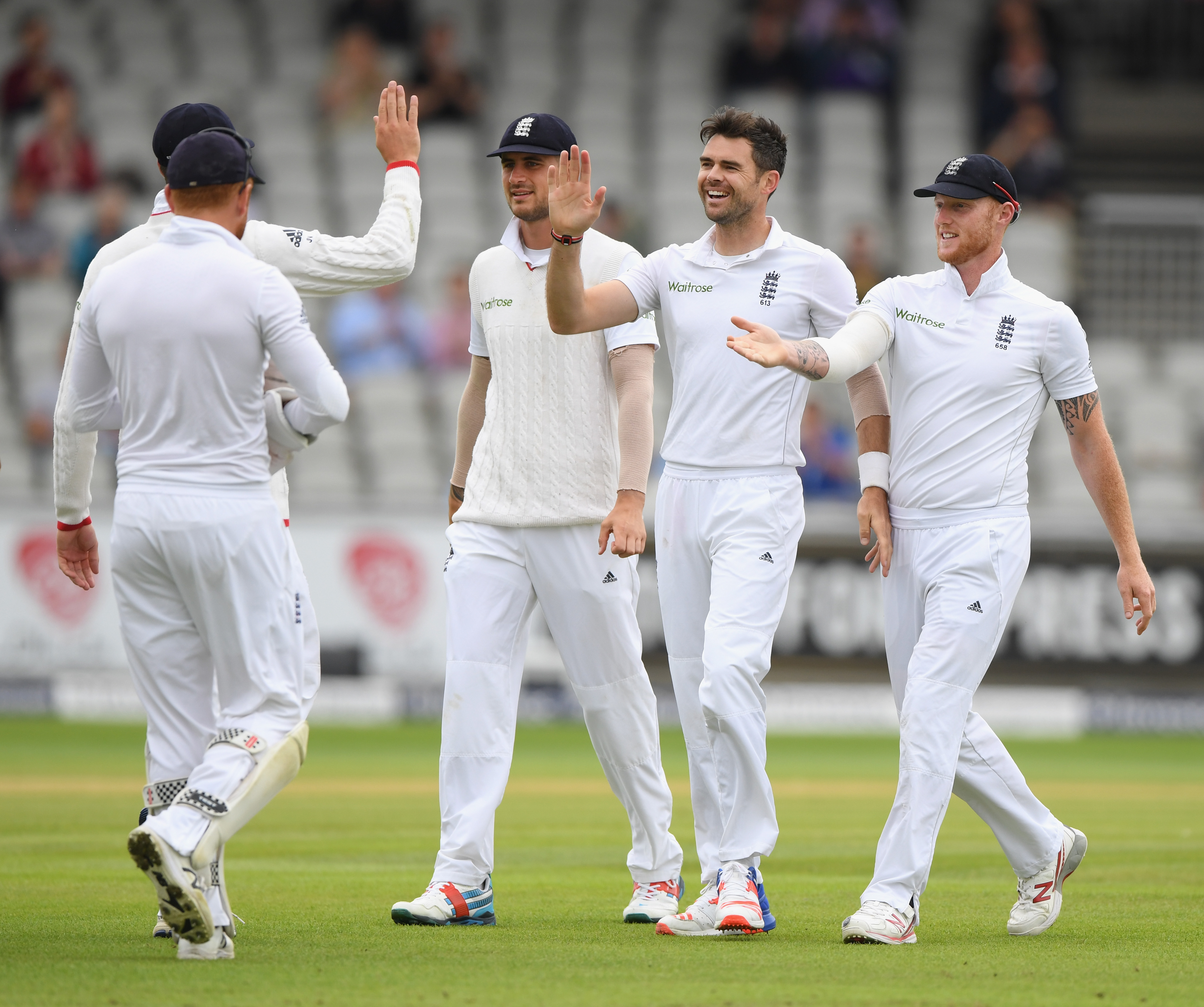 England Beat Pakistan By 330 Runs And Wrap-up Second Old
