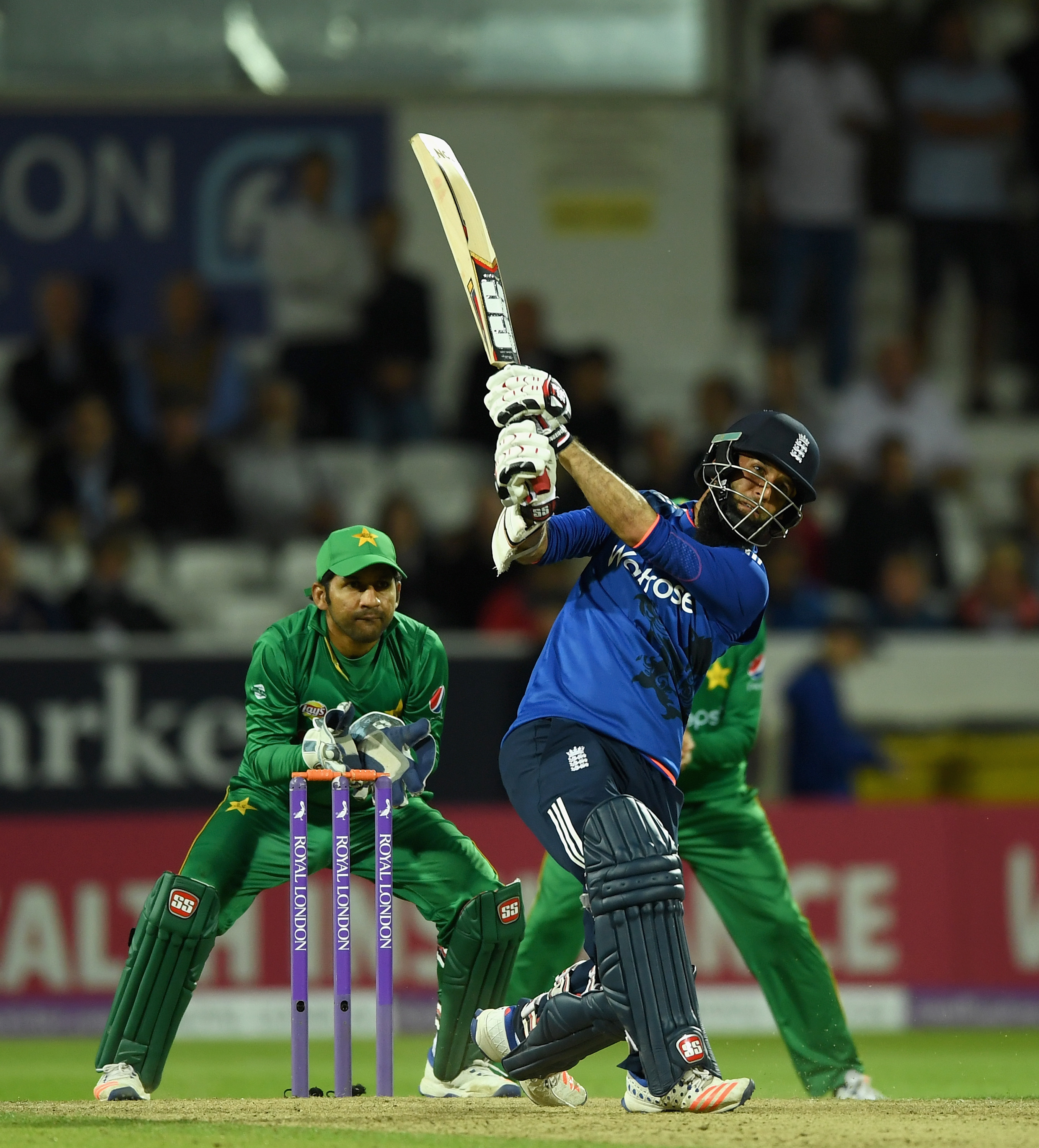 GALLERY: England Beat Pakistan By Four Wickets In The