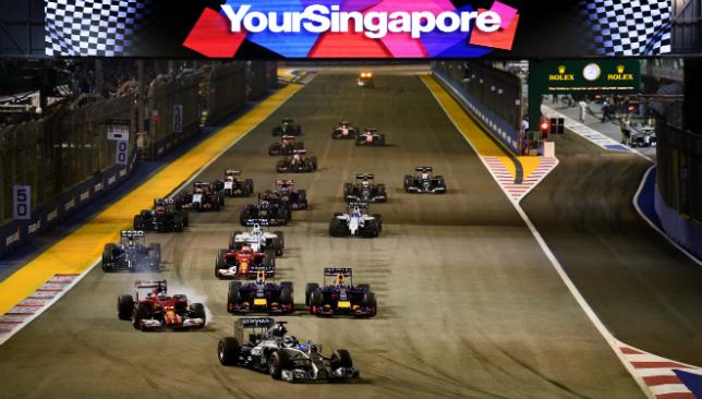 Rosberg takes Singapore GP pole ahead of Ricciardo