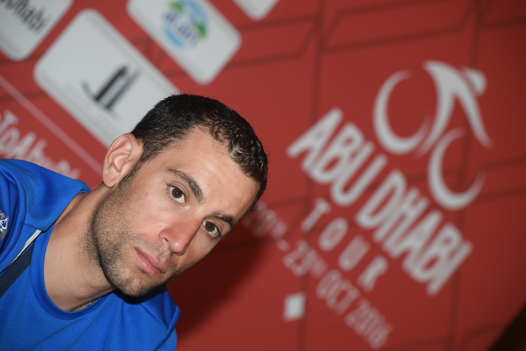 Cavendish grabs Tour of Abu Dhabi lead