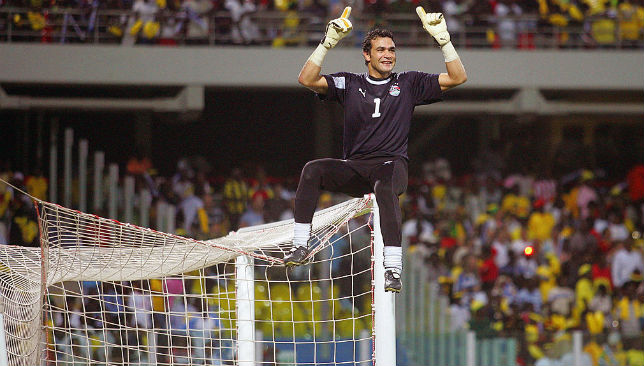 Essam El-Hadary celebrates after winning AFCON 2008.