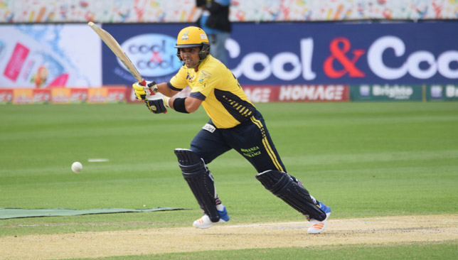 Pollard smashes six off last ball to hand Kings crucial win