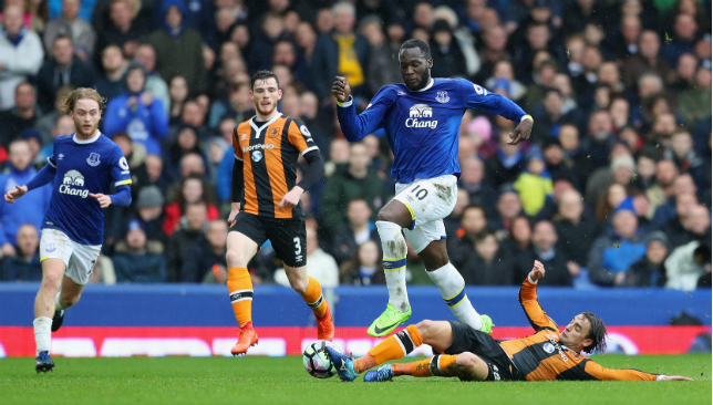 Leon Osman blasts Everton contract rebel Romelu Lukaku