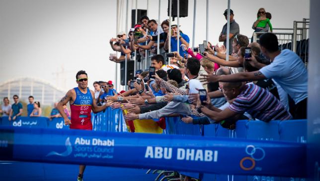 Kiwi Andrea Hewitt wins ITU World Triathlon Series opener by inches