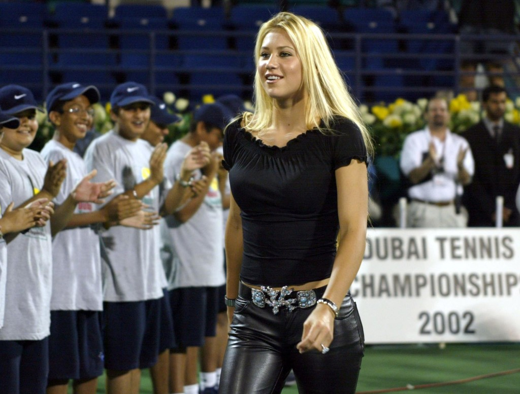 Kournikova in Dubai in 2002.