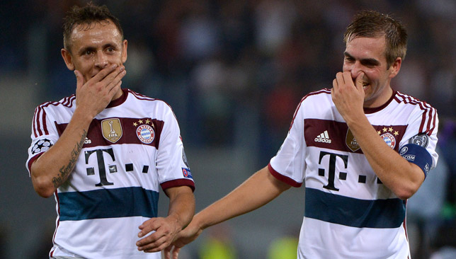 Rafinha (l) is hoping to take on the challenge.