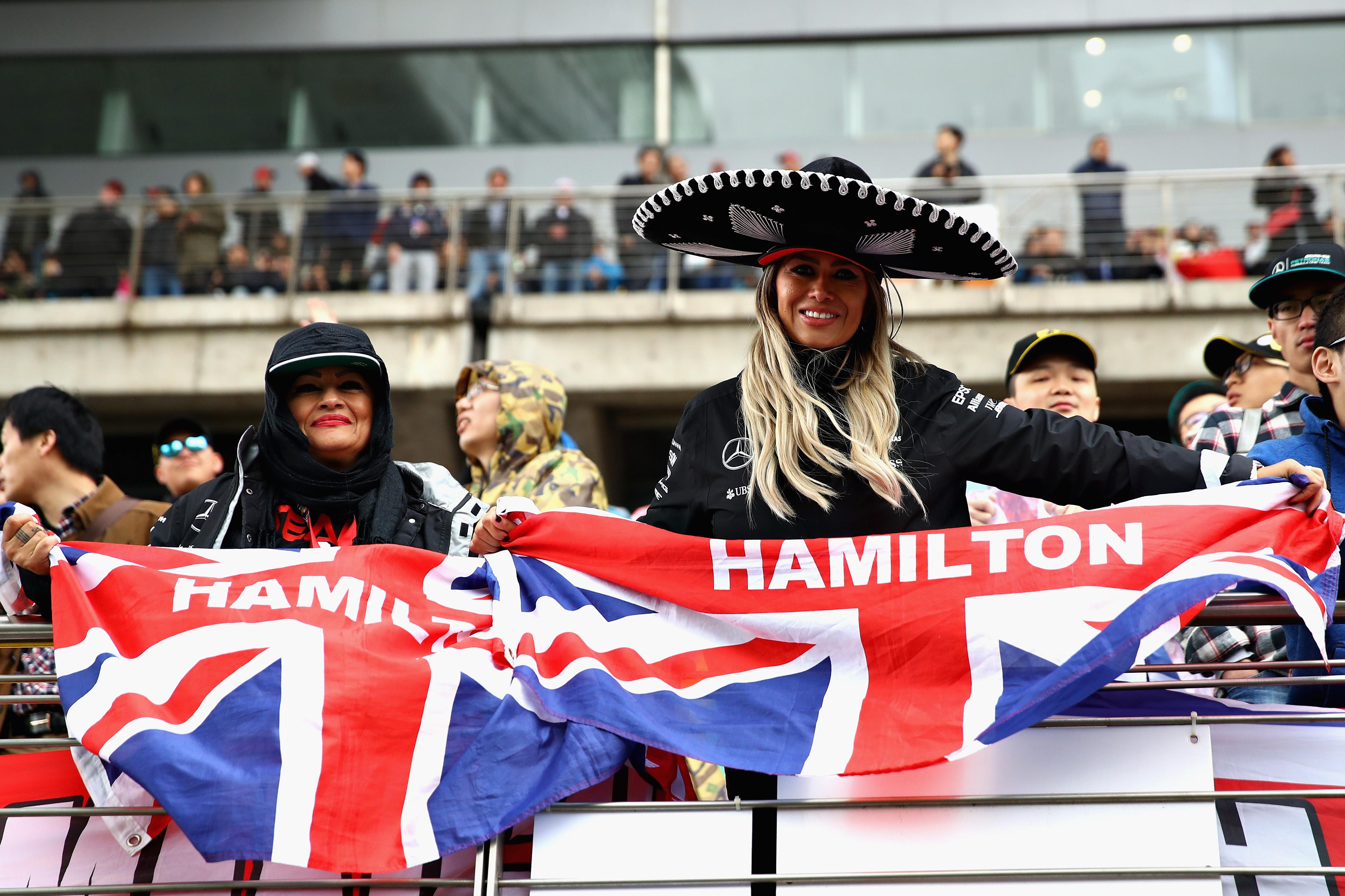F1 round-up: Lewis Hamilton beats Sebastian Vettel to win ...