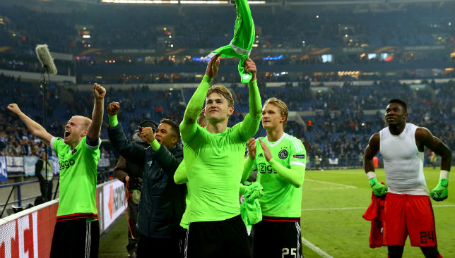 A dramatic second leg against FC Schalke saw Ajax go through to the next stage.