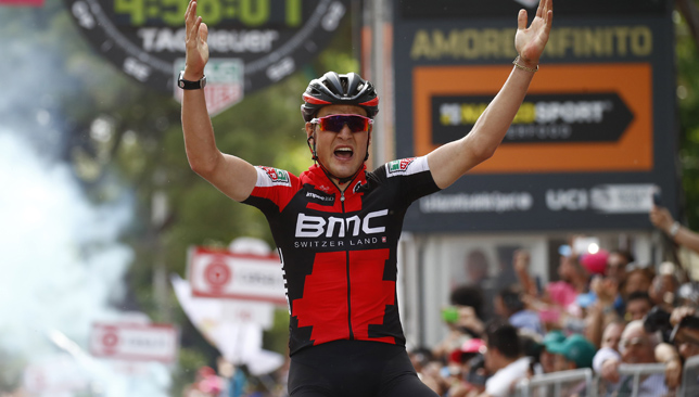 Giro rider celebrates stage 'win' a lap too early