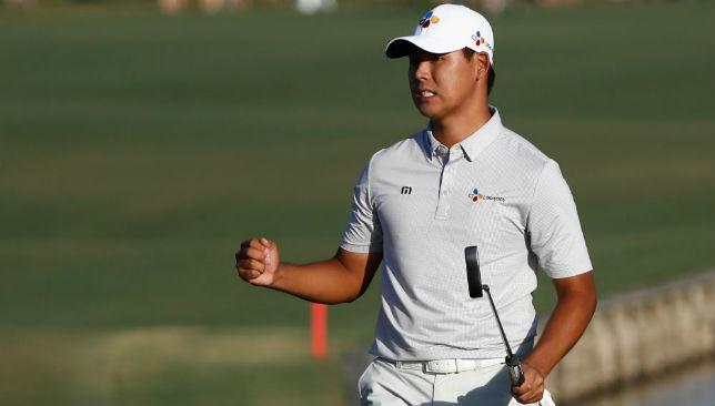 Kim Si-Woo celebrates his win.