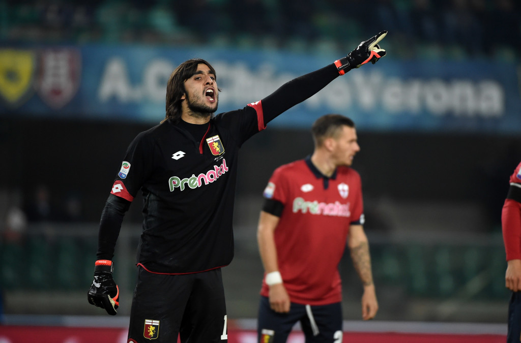 VERONA, ITALY - DECEMBER 05: Goalkeeper of Genoa CFC Mattia Perin gestures during the Serie A match between AC ChievoVerona and Genoa CFC at Stadio Marc'Antonio Bentegodi on December 5, 2016 in Verona, Italy. (Photo by Pier Marco Tacca/Getty Images)
