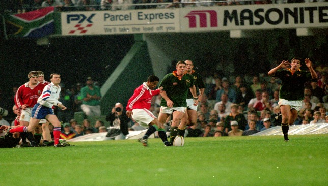 Guscott kicks the winning drop goal against South Africa in 1997