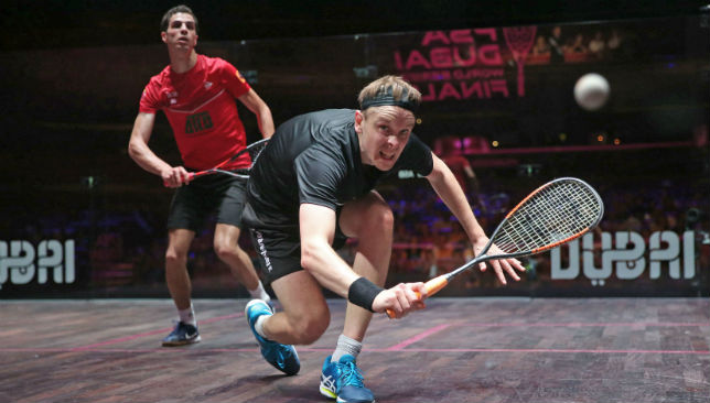 James Willstrop (black) in action against Ali Farag.