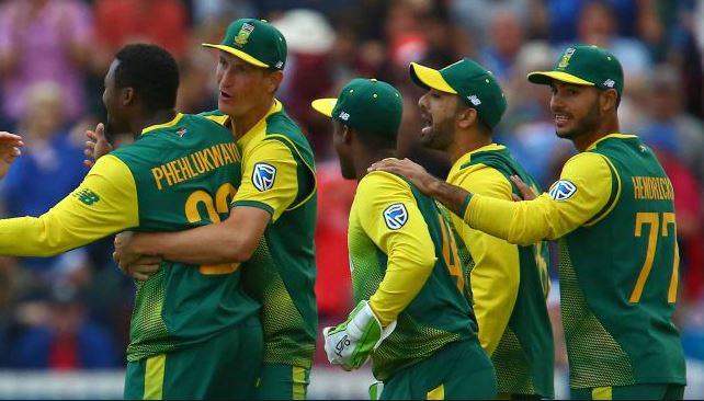 South Africa fight back to level T20 series with England