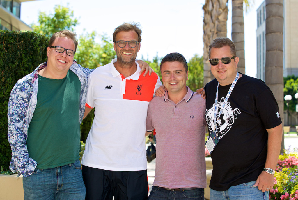 PALO ALTO, USA - Saturday, July 30, 2016: Liverpool manager Jürgen Klopp with the Anfield Wrap Neil Atkinson, Andy Heaton and John Gibbons at the Four Seasons Hotel on day ten of the club's USA Pre-season Tour. (Pic by David Rawcliffe/Propaganda)