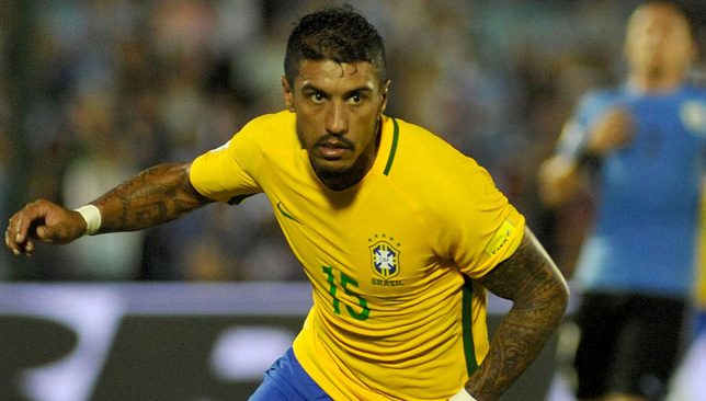 Paulinho tells Guangzhou to allow him to join Barcelona, Neymar comments