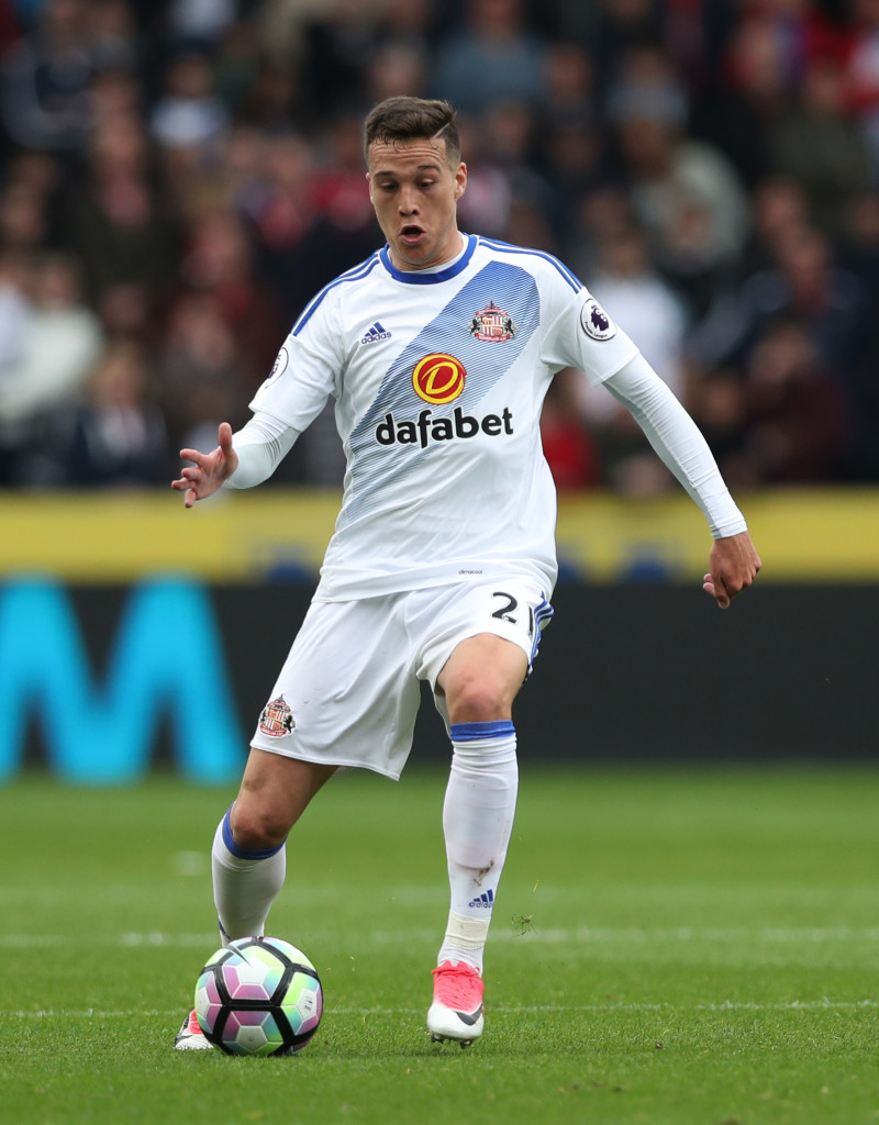 HULL, ENGLAND - MAY 06: Javi Manquillo of Sunderland controls the ball during the Premier League match between Hull City and Sunderland at KCOM Stadium on May 6, 2017 in Hull, England. (Photo by Ian MacNicol/Getty Images)