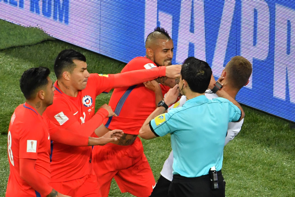 Chile's Confed Cup defeat hints at trouble ahead