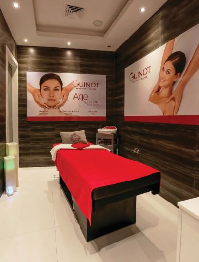 Guinot give it a go: En Vogue's double slimming treatment takes place in their sleek JLT studio in Dubai.