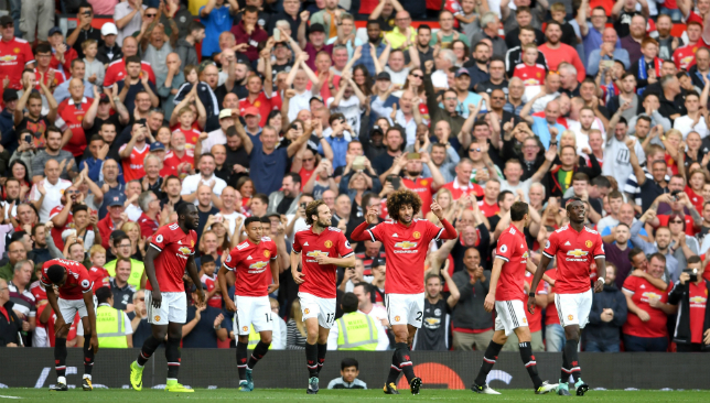 Man United subs Rashford, Fellaini produce win vs Leicester