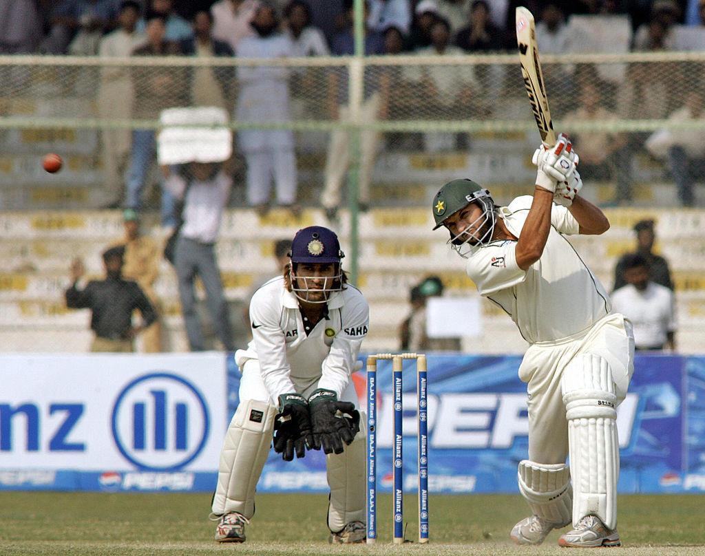 Boom-boom Afridi took apart Harbhajan Singh