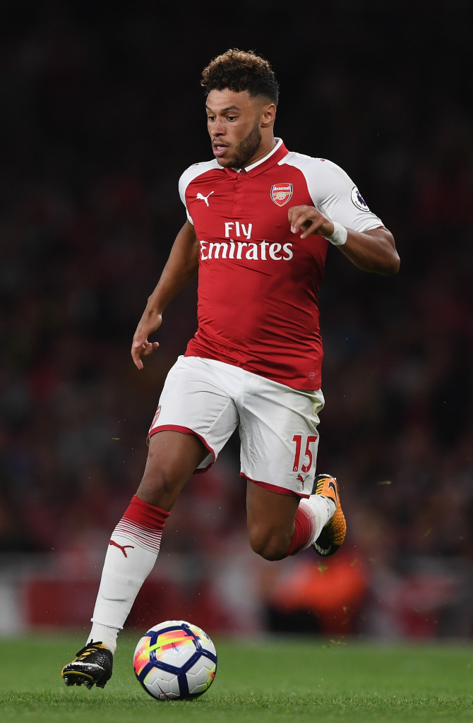 LONDON, ENGLAND - AUGUST 11: Alex Oxlade-Chamberlain running with the ball during the Premier League match between Arsenal and Leicester City at Emirates Stadium on August 11, 2017 in London, England. (Photo by Shaun Botterill/Getty Images)