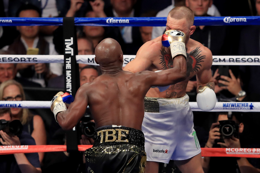 Mayweather lands a straight right