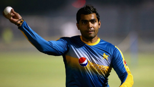 Umar Akmal served show-cause notice for levelling allegations against Mickey Arthur
