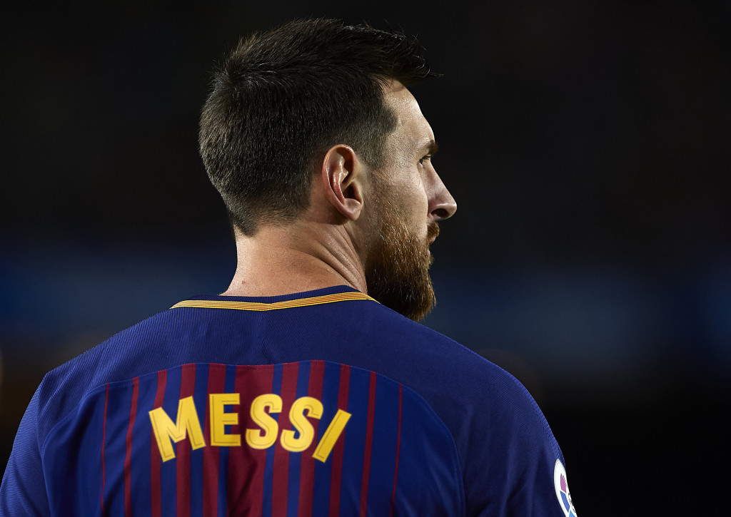 BARCELONA, SPAIN - SEPTEMBER 09: Lionel Messi of Barcelona looks on during the La Liga match between Barcelona and Espanyol at Camp Nou on September 9, 2017 in Barcelona, Spain. (Photo by Manuel Queimadelos Alonso/Getty Images)