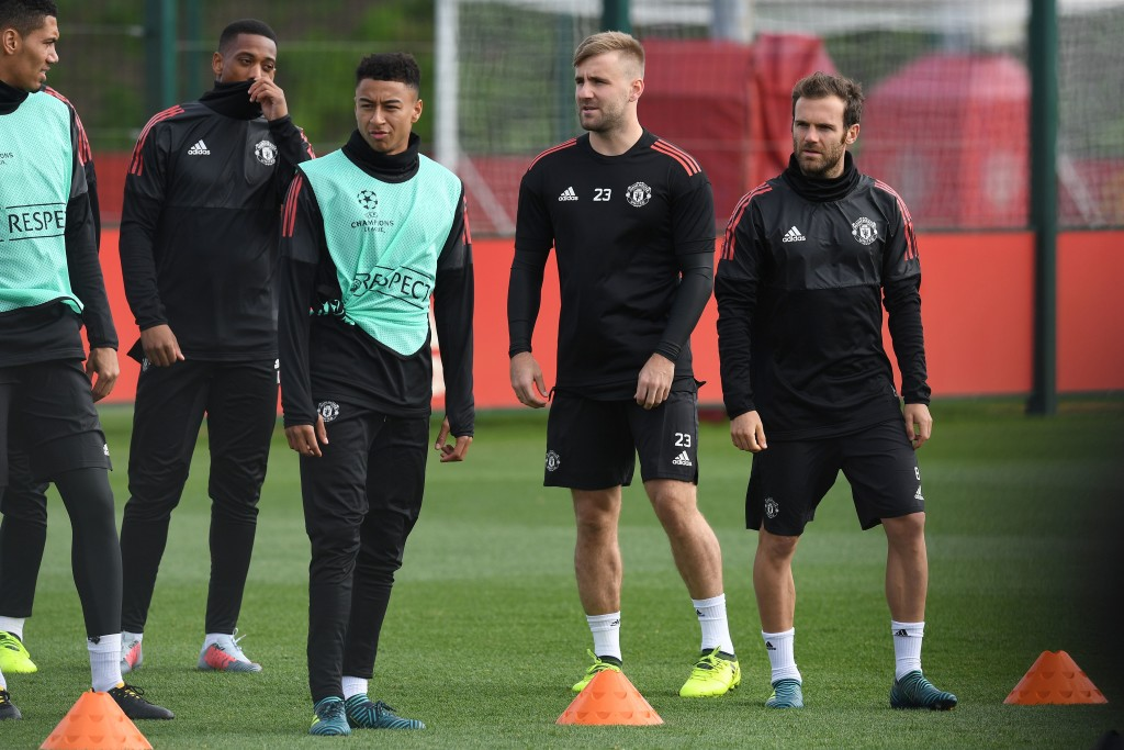 Manchester United's English defender Chris Smalling (L), Manchester United's French striker Anthony Martial (2L), Manchester United's English midfielder Jesse Lingard (C), Manchester United's English defender Luke Shaw (2R) and Manchester United's Spanish midfielder Juan Mata attends a team training session at the club's training complex near Carrington, west of Manchester in north west England on September 11, 2017, on the eve of their UEFA Champions League Group A football match against FC Basel. / AFP PHOTO / Paul ELLIS (Photo credit should read PAUL ELLIS/AFP/Getty Images)