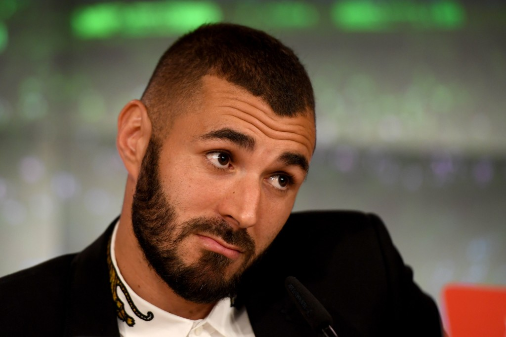 Real Madrid's French forward Karim Benzema attends a press conference on September 21, 2017 at the Santiago Barnabeu in Madrid. Karim Benzema became the latest Real Madrid star to sign a new bumper four-year contract with the European champions to 2021. / AFP PHOTO / GABRIEL BOUYS (Photo credit should read GABRIEL BOUYS/AFP/Getty Images)