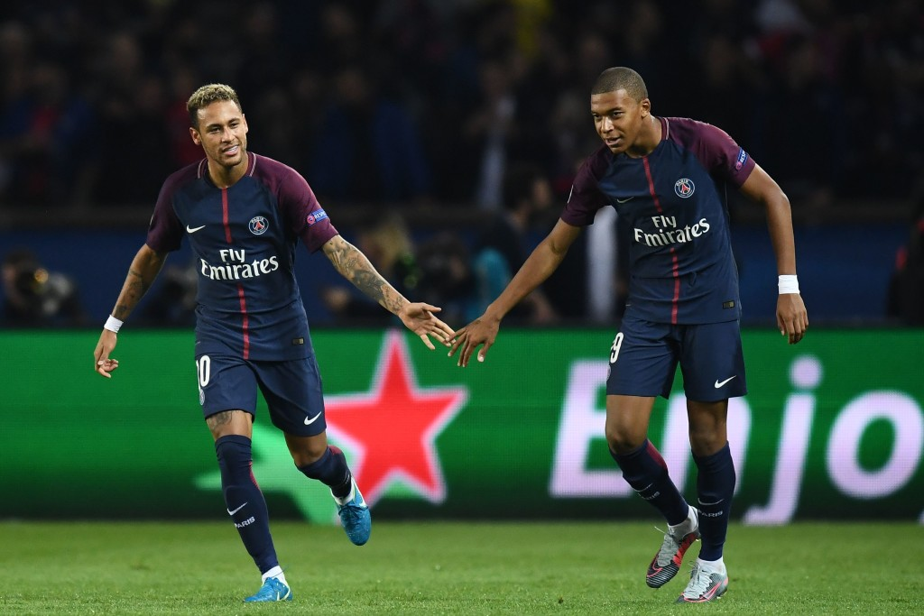 Neymar and Mbappe celebrate
