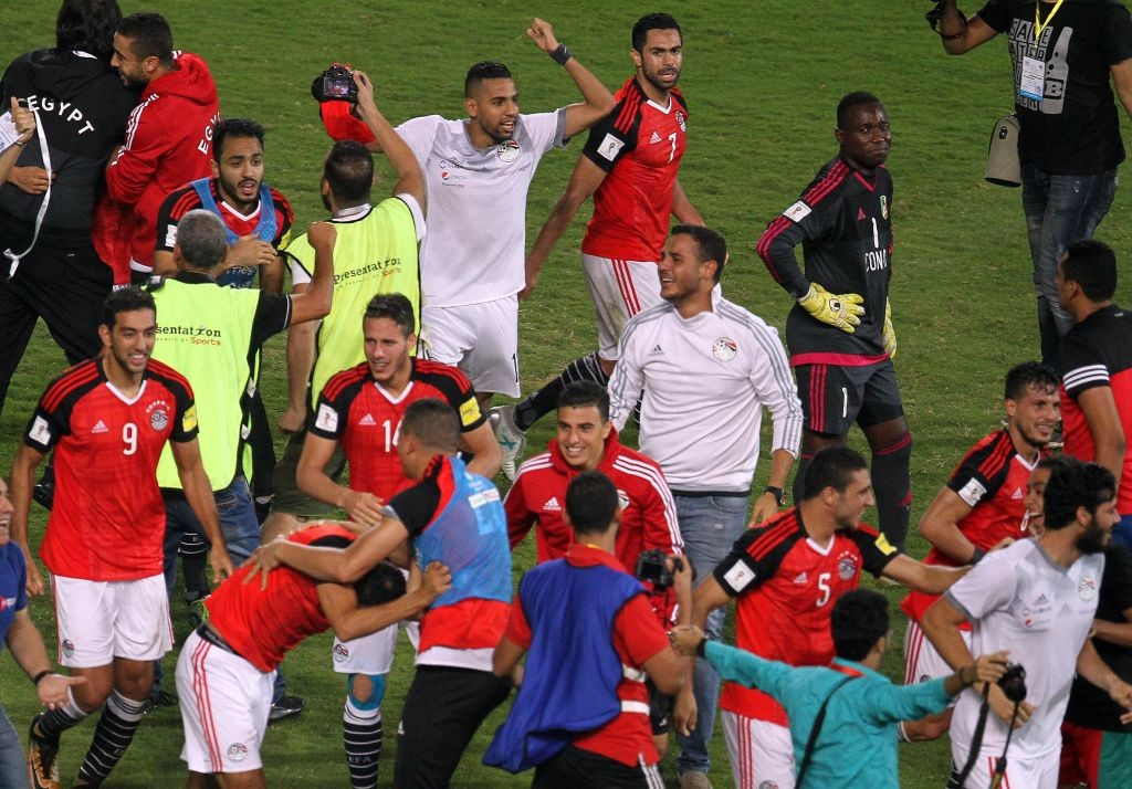 Egyptian players celebrate beating Congo