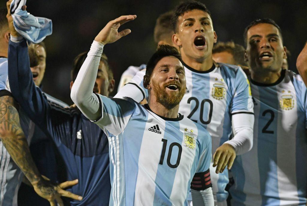 Argentina's Lionel Messi (C) celebrates
