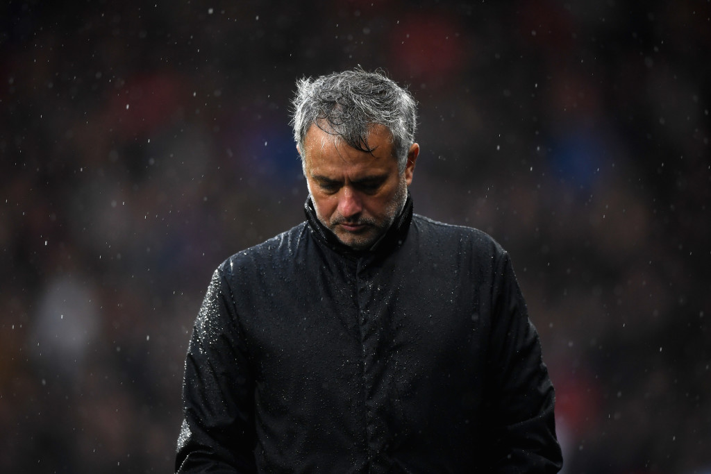 HUDDERSFIELD, ENGLAND - OCTOBER 21: Jose Mourinho, Manager of Manchester United looks dejected during the Premier League match between Huddersfield Town and Manchester United at John Smith's Stadium on October 21, 2017 in Huddersfield, England. (Photo by Gareth Copley/Getty Images)