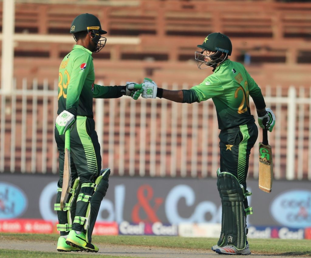 Openers Fakhar Zaman and Imam ul Haq put on a 84-run opening stand.