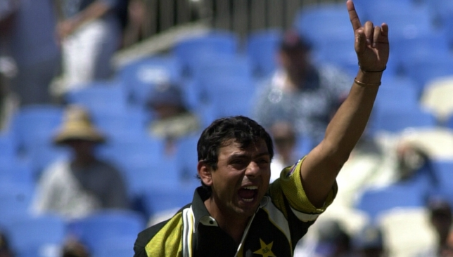 Saqlain reached the top of the bowlers' ranking in January, 1998.