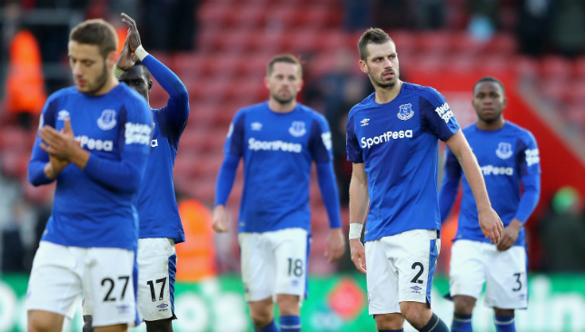 Woeful Everton show they need a manager as Southampton run riot