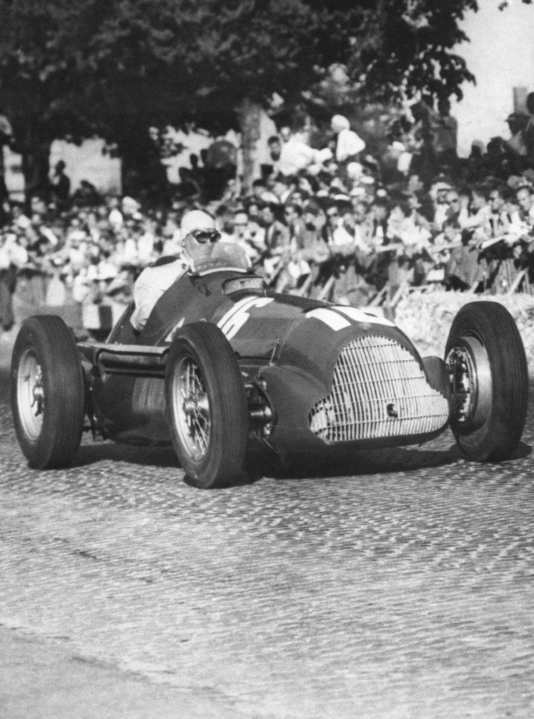 Farina in his Alfa Romeo at the Bern race track in 1951.