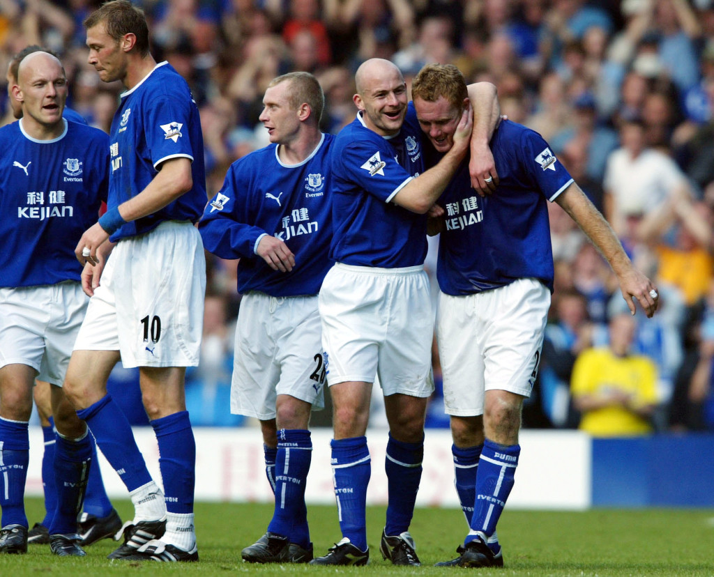 Everton hat-trick hero Steve Watson (R)