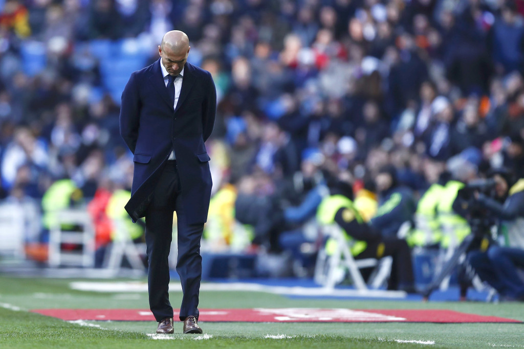 A dejected Zidane after the defeat to Atletico in his first game in charge