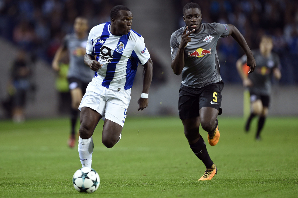 PORTO, PORTUGAL - NOVEMBER 01: Vincent Aboubakar of FC Porto competes for the ball with Dayot Upamecano of RB Leipzig during the UEFA Champions League group G match between FC Porto and RB Leipzig at Estadio do Dragao on November 1, 2017 in Porto, Portugal. (Photo by Octavio Passos/Getty Images)