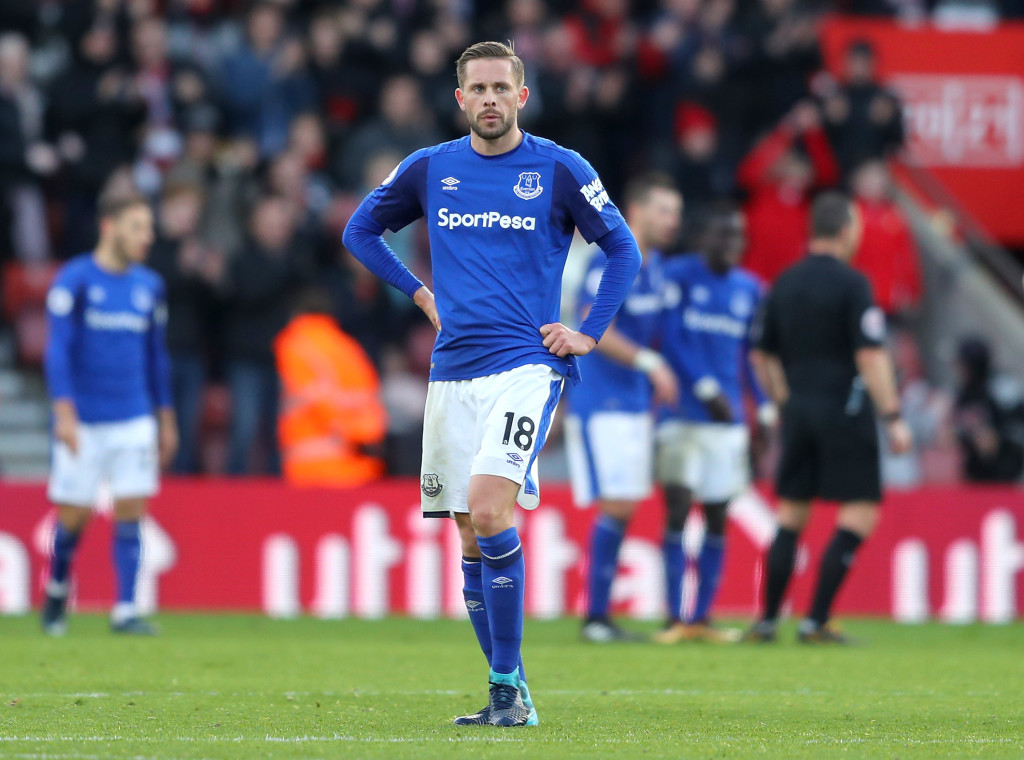 SOUTHAMPTON, ENGLAND - NOVEMBER 26: Gylfi Sigurdsson of Everton looks dejected after Steven Davis (Not Pictured) of Southampton scored the 4th Southampton goal during the Premier League match between Southampton and Everton at St Mary's Stadium on November 26, 2017 in Southampton, England. (Photo by Richard Heathcote/Getty Images)