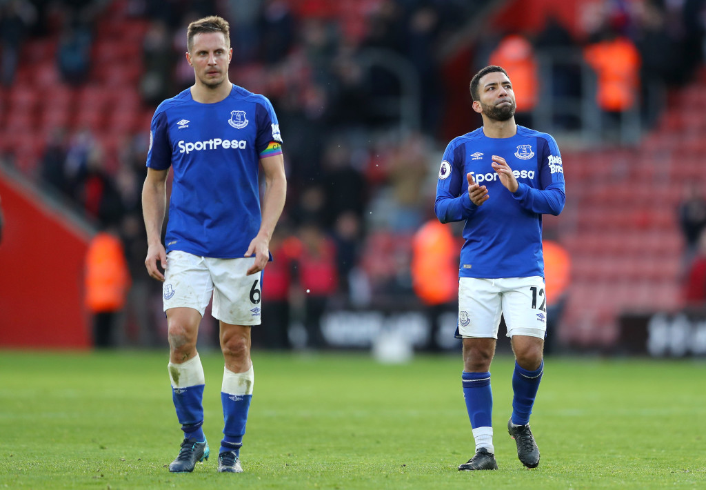 SOUTHAMPTON, ENGLAND - NOVEMBER 26: Phil Jagielka and Aaron Lennon of Everton look dejected after the Premier League match between Southampton and Everton at St Mary's Stadium on November 26, 2017 in Southampton, England. (Photo by Richard Heathcote/Getty Images)