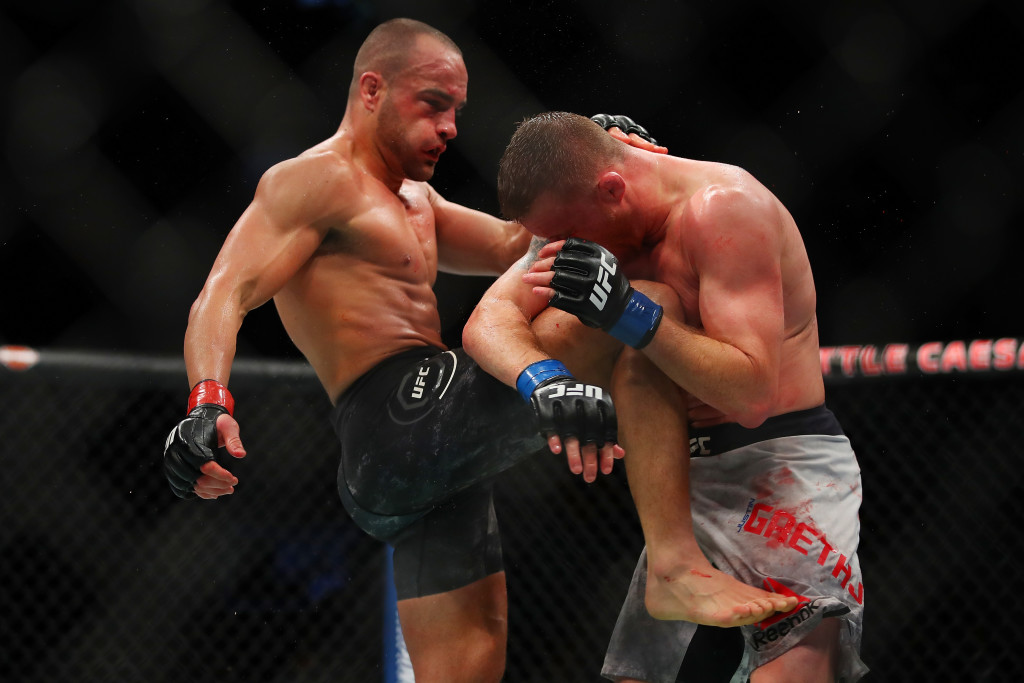 Eddie Alvarez bounced back to show he's still a contender.