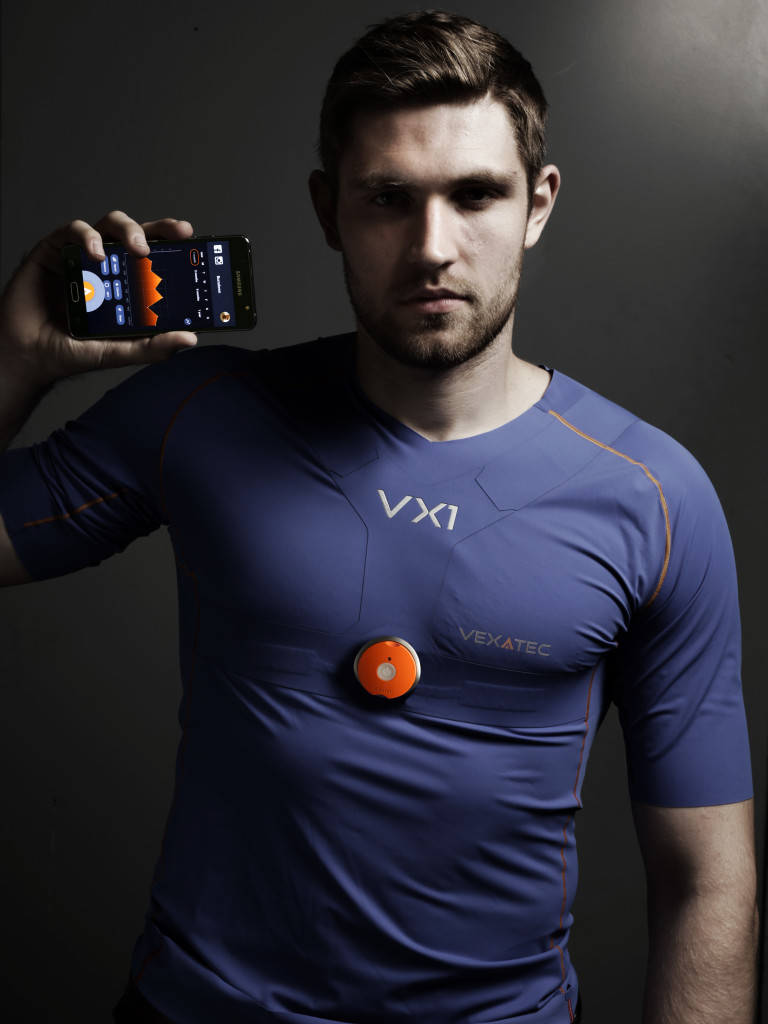 Ice hockey player Leon Draisatl with Vexatec's new t-shirt.
