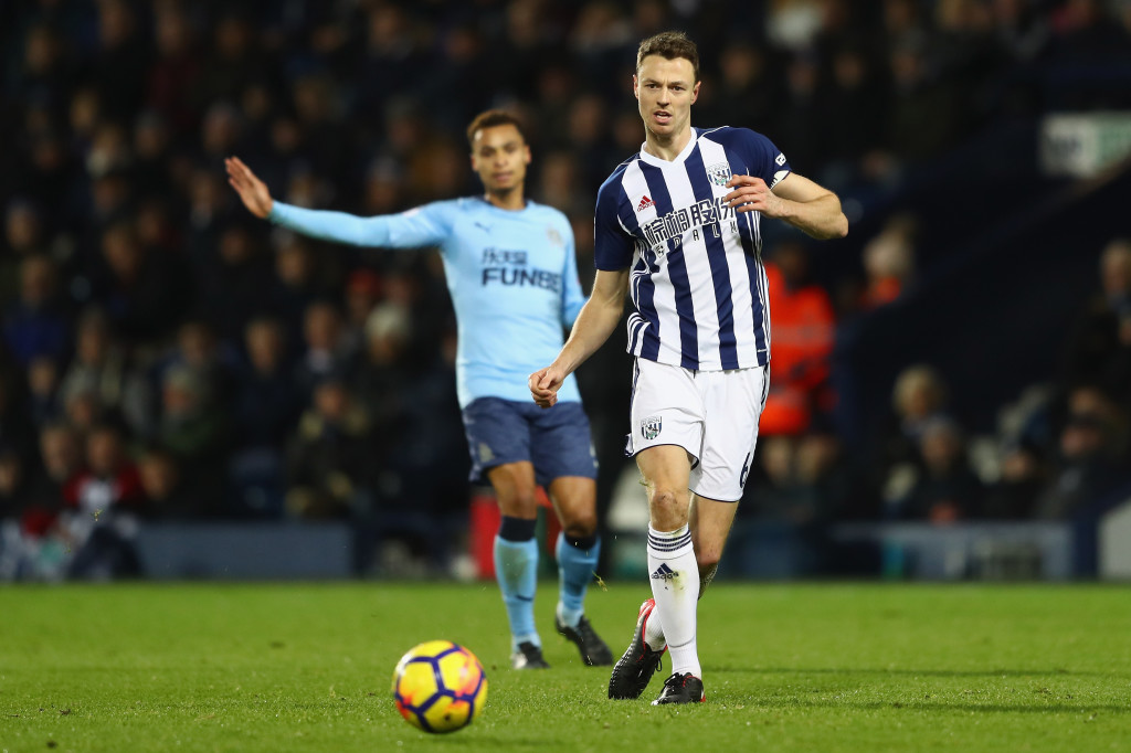 WEST BROMWICH, ENGLAND - NOVEMBER 28:  Jonny Evans of West Bromwich Albion during the Premier League match between West Bromwich Albion and Newcastle United at The Hawthorns on November 28, 2017 in West Bromwich, England.  (Photo by Michael Steele/Getty Images)