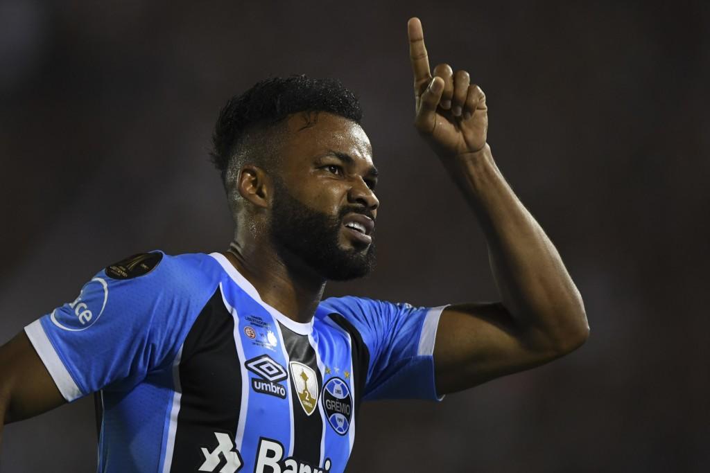 Gremio's Brazilian winger Fernandinho
