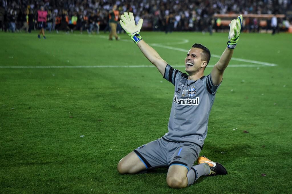 Marcelo Grohe celebrates after Gremio's Copa Libertadores triumph